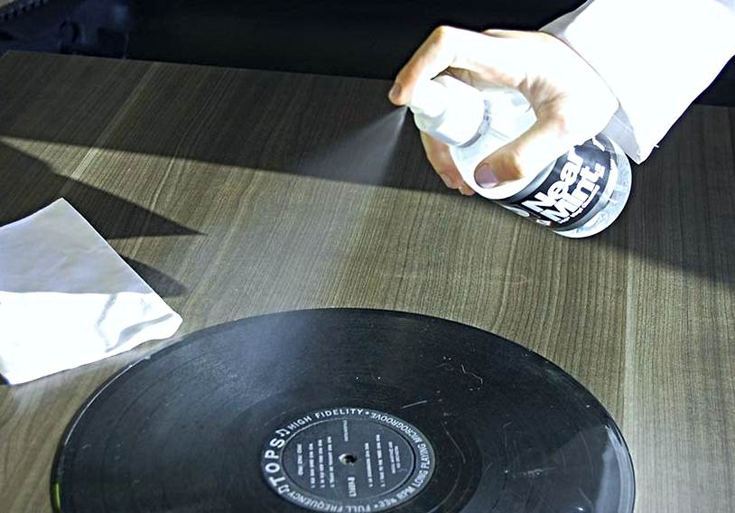 Shower Cleaning Solution for Vinyl Record